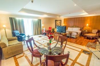Sunlake Hotel Jakarta - Ambassador Suite With Breakfast and Mini Bar Gajian