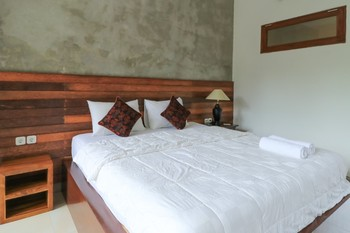 Yuliati House Bali - Deluxe Double Room Room Only FC Evergreen  40%