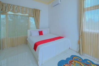 RedDoorz Syariah near Museum Lambung Mangkurat 2 Banjarmasin - RedDoorz Room Special Deals