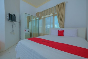 RedDoorz Syariah near Museum Lambung Mangkurat 2 Banjarmasin - RedDoorz Room with Breakfast Special Deals