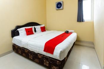 RedDoorz @ Danau Bratan Malang - RedDoorz Room Last Minute Deal