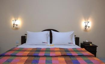RedDoorz @Goa Gong Jimbaran Bali - RedDoorz Room Special Promo Gajian