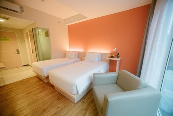 MaxOneHotels Sukabumi - Deluxe  (Twin Room Inc Bfast Smoking Room ) Regular Plan