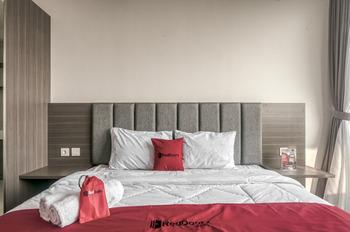 RedDoorz Apartment @ Treepark BSD Tangerang Selatan - RedDoorz Room With Breakfast Regular Plan