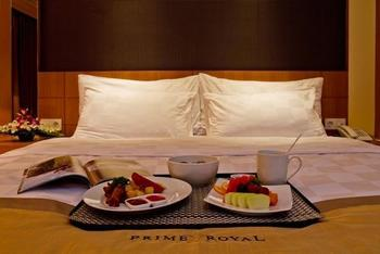 Prime Royal Hotel Surabaya - Deluxe Pool Access Breakfast Flash Sale