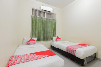 OYO 883 Pavo Resort Bogor - Standard Twin Room Regular Plan