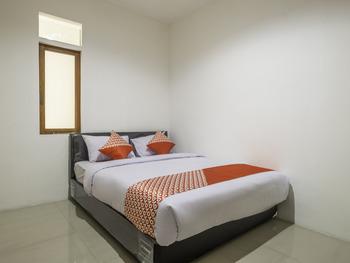OYO 1577 Onic Residence Bandung - Standard Double Room Regular Plan