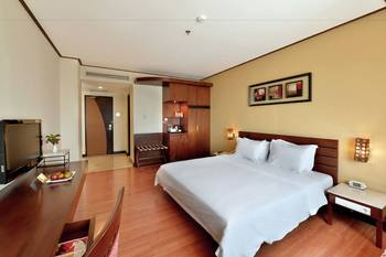 Banana Inn by KAGUM Hotels Bandung - Deluxe King Room Only  Long Weekend Special Offer