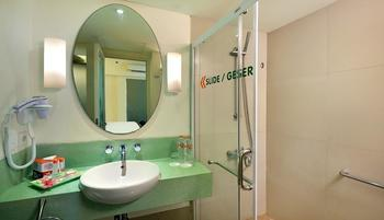 HARRIS Hotel Kuta - HARRIS Residence 1 Bedroom with Breakfast  Regular Plan