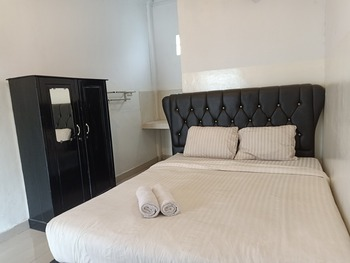 Amelia Kost Palembang - Standard Double Room Regular Plan