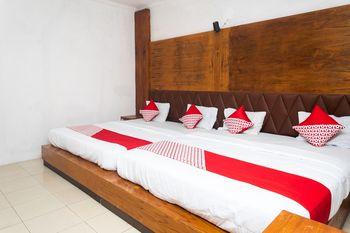 OYO 681 Wisma Family Raya Bandung - Deluxe Family Room Regular Plan