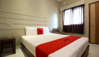 RedDoorz Plus @ Jalan Damai 2 Yogyakarta - RedDoorz SALE 125k Regular Plan