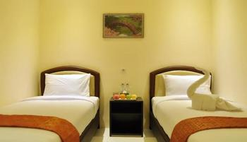 Hotel Mongonsidi Padang - Superior Twin Regular Plan