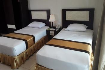 Beril Nur Hotel Makassar - Deluxe Twin Bed Regular Plan