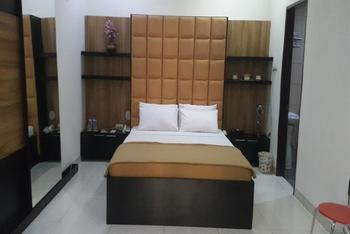 Beril Nur Hotel Makassar - Suite Room Regular Plan