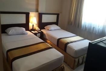 Beril Nur Hotel Makassar - Superior Twin Bed - Room Only Regular Plan