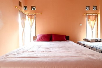 Nurudin House Magelang - Family Suite with TV Room Only FC MS2N 40%