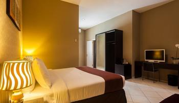 The Sunset Point Hotel Seminyak - Deluxe Room with Breakfast Basic Deal
