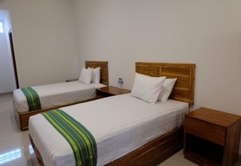 Flobamor City Hotel Kupang - Superior Twin Bed Regular Plan