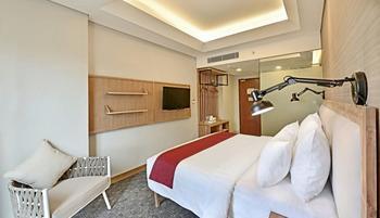 Hotel Dafam Linggau Kupang - Deluxe Room Regular Plan