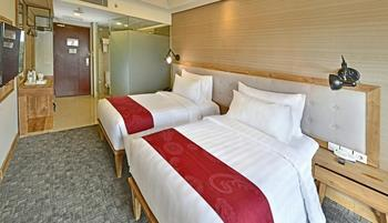 Hotel Dafam Linggau Kupang - Deluxe Room Only Regular Plan