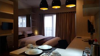 Student Park Hotel Yogyakarta - Studio Queen Room Only Regular Plan