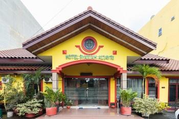 RedDoorz Syariah near Plaza Medan Fair 2