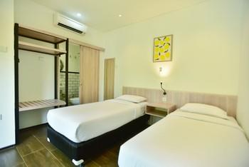 Negla Beach Villa Garut - Deluxe Minimum Stay