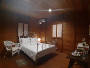 Wisata Edukasi and Resort Kebun Pak Budi Pasuruan - Rumah panggung Regular Plan