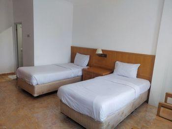 Majestic Hotel Palembang - Standard Double Regular Plan
