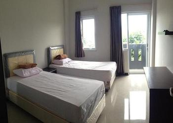 Lavender Guest House Samarinda - Superior Room (Sharing Bathroom) Regular Plan