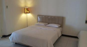 Loxy Inn Surabaya - Standard Room Regular Plan