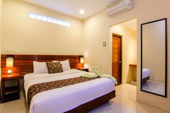 S5 Guest House Yogyakarta - Deluxe Regular Plan