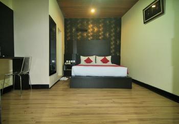 Starli Hotel  Bukittinggi - Deluxe Double  Regular Plan