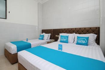 Airy Tegalsari Kedungsari 109 Surabaya - Superior Triple Family Room Only Regular Plan