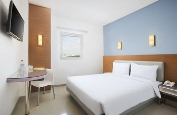 Amaris Hotel Simpang Lima Semarang - Smart Room Queen Staycation Offer Regular Plan