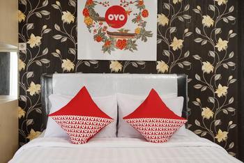 OYO 444 Rafitha Homestay Yogyakarta - Deluxe Double Room Regular Plan