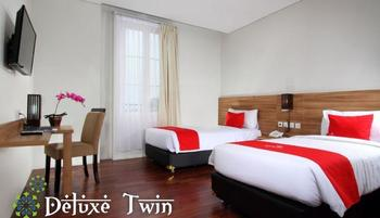 Hotel Namira Syariah Pekalongan - Deluxe Twin Room Regular Plan