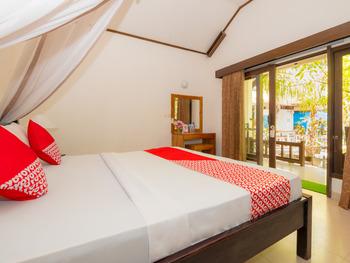 OYO 1142 Alibaba Bungalows Lombok - Deluxe Double Room Regular Plan