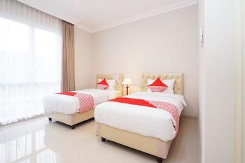 OYO 388 Raka Residence Syariah Surabaya - Deluxe Twin Room Regular Plan