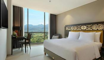 Lombok Astoria Mataram - Deluxe King Room Only Regular Plan