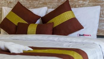 RedDoorz @ Mertasari Sidakarya Bali - RedDoorz Room Regular Plan