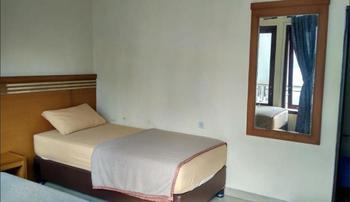 Hotel Griya Lestari Pati - Deluxe Twin Regular Plan