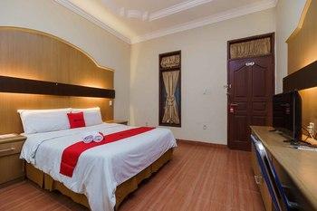RedDoorz near RS Harapan Pematangsiantar Pematangsiantar - RedDoorz Room AntiBoros