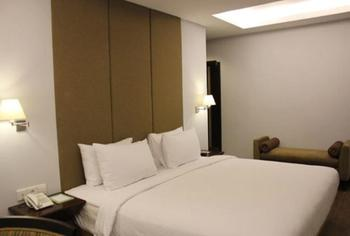 Hotel Santika Mataram - Superior Room King Promotion  Regular Plan
