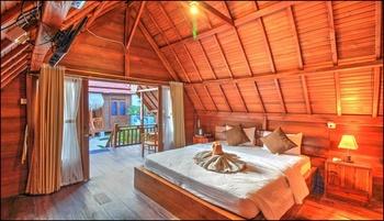 Gayatri Bungalows Nusa Penida Bali - Double Wooden Cabin Regular Plan