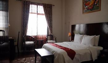 Syafira Hotel Tual Langgur Maluku - Deluxe Room Regular Plan