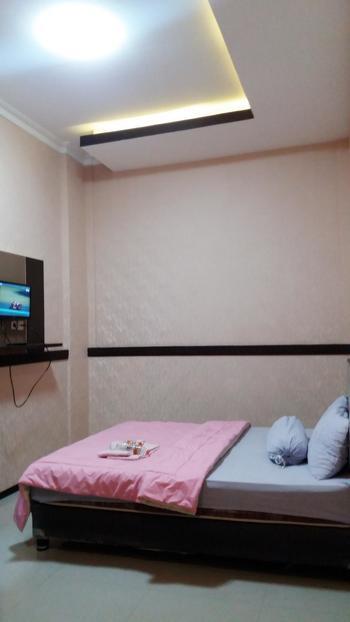 Bunga Matahari Guest House Malang - Deluxe Room Regular Plan