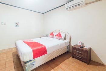 OYO 1688 Collin Beach Hotel Ambon - Standard Double Room Early Bird