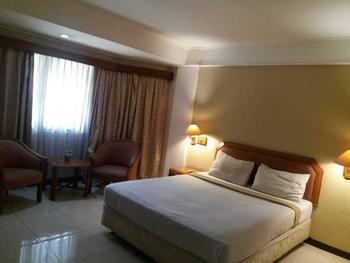 Hotel Imperium Bandung - Standard Room With Breakfast Regular Plan